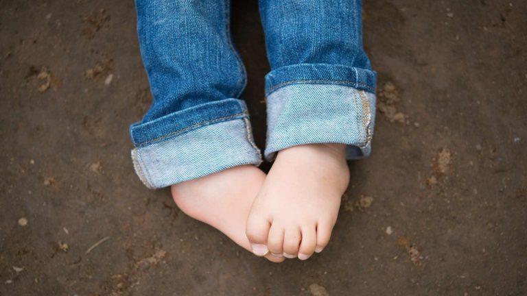 O que se atentar ao escolher um sapato infantil
