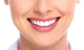 5 alimentos que prejudicam sua saúde bucal e cor dos dentes